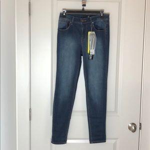 """1822 Denim """"ADRIANNA"""" skinny jeans NWT"""